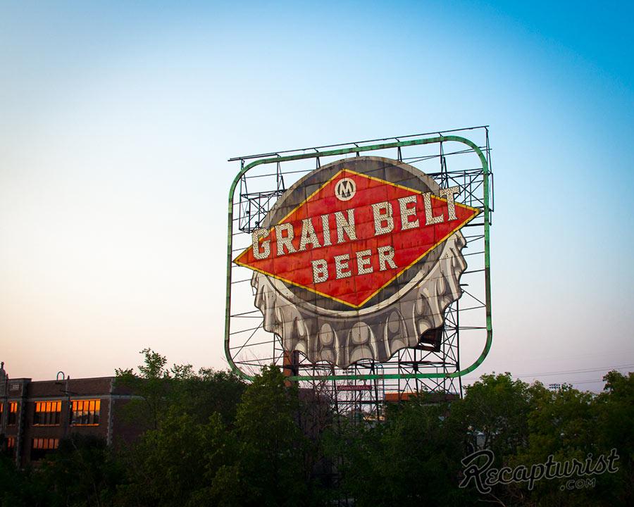 vintage newo grain belt beer sign