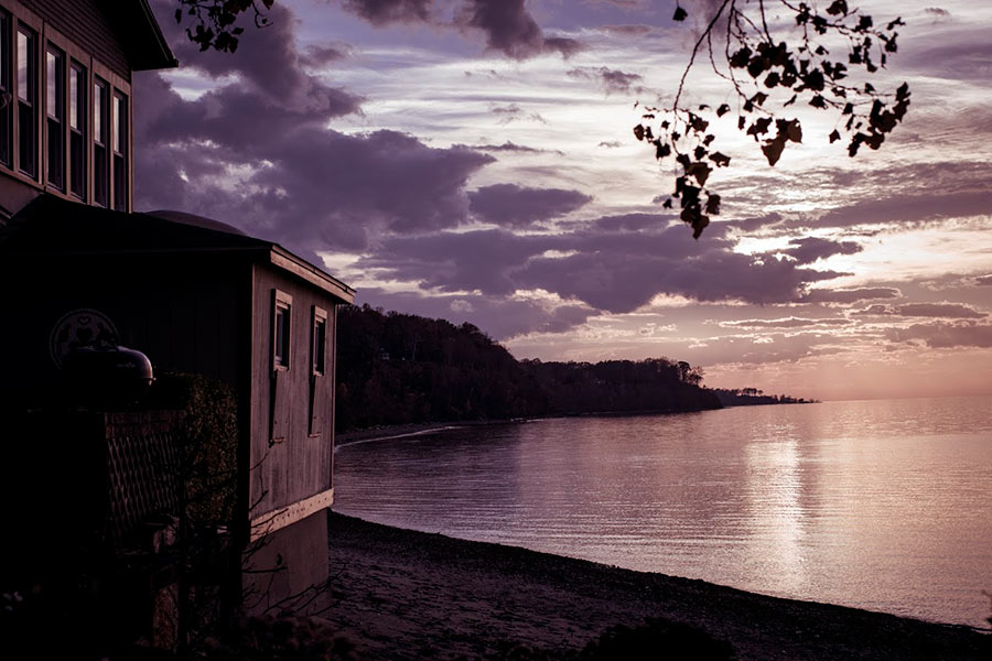 Cottage on lake Erie